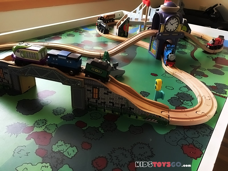 Top 10 Best Wooden Train Tables and Sets for Kids of 2018 : train set and table - pezcame.com