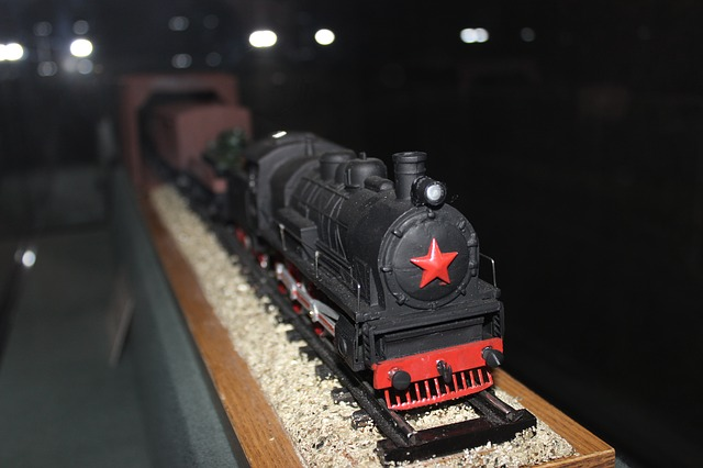 An Insider's Look at Buying HO Scale Train Sets