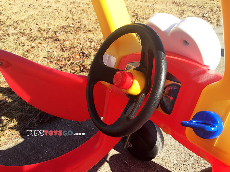 Key, horn, steering on Cozy Coupe
