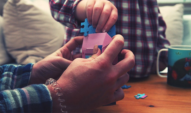 Playing puzzle toys