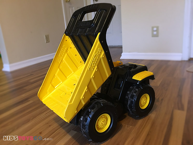 Tonka truck with sturdy steel construction