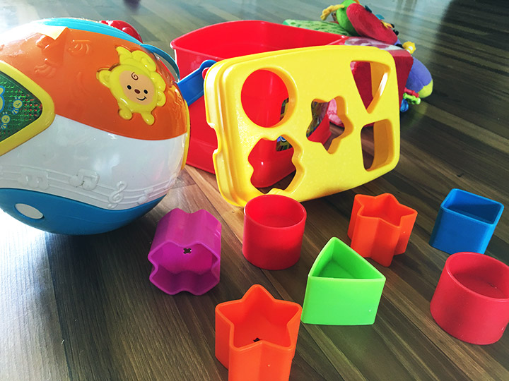 Toys For 6 Month Old : Best toys for month old babies playing learning