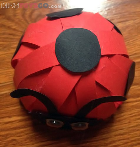 Top side of 3d paper ladybug
