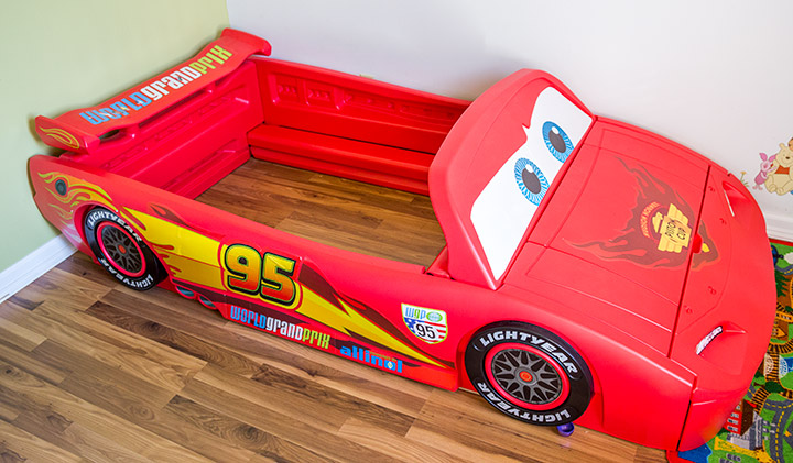 Delta Children Cars Lightning Mcqueen & Delta Children Cars Lightning Mcqueen Toddler-To-Twin Bed Review