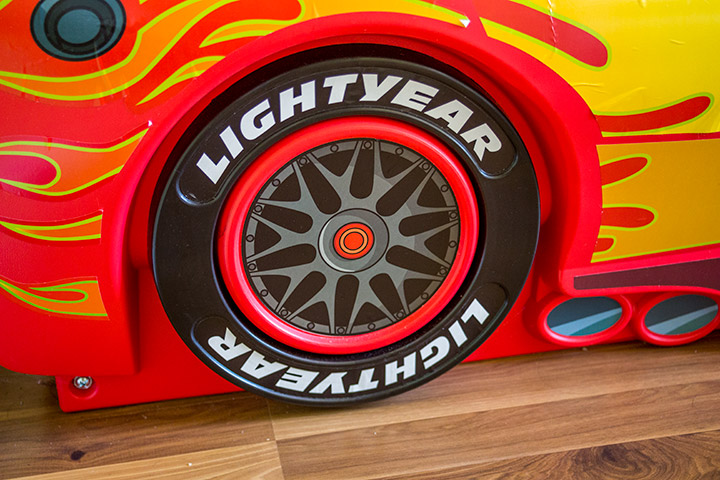 Delta Children Cars Lightning Mcqueen wheel